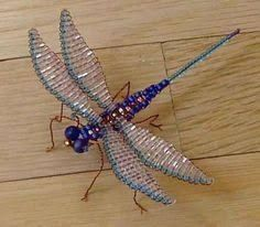 Beaded Dragonfly, Dragonfly Jewelry, Dragonfly Art, Beaded Jewelry, Jewellery, Beaded Crafts, Beaded Ornaments, Wire Crafts, Easy Crafts