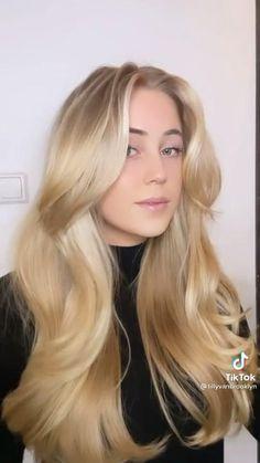 Hair Tips Video, Hair Videos, Hair Upstyles, Voluminous Hair, Aesthetic Hair, Great Hair, Hair Highlights, Hair Hacks, Curly Hair Styles