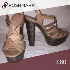Platform sandal Beautiful tan Jessica Sipmson platform sandals, size 6, heel- 5 inches Jessica Simpson Shoes Platforms