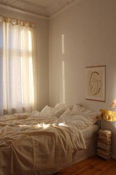 Room Design Bedroom, Room Ideas Bedroom, Classy Bedroom Ideas, Bedroom Inspiration Cozy, Cosy Bedroom, Beige Room, Study Room Decor, Ideas Hogar, Minimalist Room