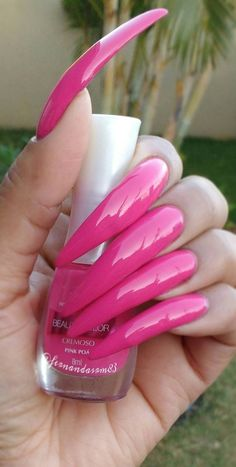 Fearless and Awesome Stiletto Nail Art Designs Images for 2019 Stiletto nails are wild and daring. These are oval nails that are sharper than rounded Long Red Nails, Long Stiletto Nails, Sexy Nails, Long Fingernails, Acrylic Nails Coffin Pink, Pastel Nails, Nail Art Designs Images, Red Nail Designs, Curved Nails