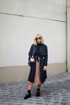 botas altas zara | look bicolor con trench negro y botas alt