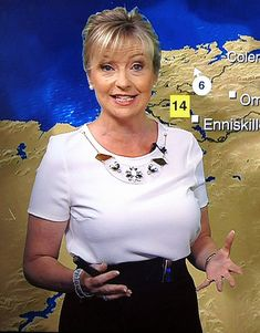 Carol Kirkwood, BBC Breakfast weather presenter, giving an indication of the size of it Sexy Older Women, Fit Women, Sexy Women, Bbc Breakfast Presenters, Carol Kirkwood, Beautiful Women Over 50, Female News Anchors, Tv Girls, America's Cup