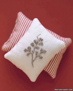 These little sand-filled, pin-adorned pillows will make useful presents for the sewers in your life.