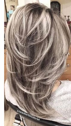 "40 Stunning White Hair Color Ideas in In the words of Los Angeles-based ha. - - 40 Stunning White Hair Color Ideas in In the words of Los Angeles-based hairstylist Jessica Jewel, ""Sometimes you just need your hair to be as c. Medium Hair Styles, Curly Hair Styles, Gray Hair Highlights, Haircut And Color, Volume Haircut, Feathered Hairstyles, Hair Lengths, New Hair, Hair Cuts"
