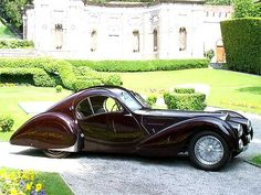 Bugatti Atlantique coupe, 1939.. Amazing lines, great sense of motion even when standing still. source