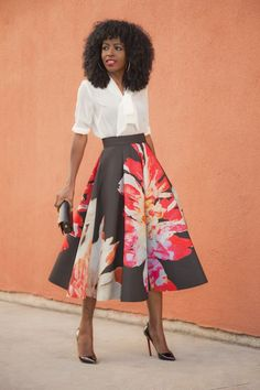 Want to rock a midi skirt, and not look frumpy? We'll show you how to wear a midi skirt, and look FABULOUS. Be on trend with these 5 must know midi skirt tips. Fashion Mode, Modest Fashion, Daily Fashion, Womens Fashion, Urban Fashion, Mode Pop, Vetement Fashion, Tie Front Blouse, Bow Blouse