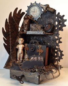 annes papercreations: Tim Holtz Steampunk Grunge Bookends with a tiny mini album