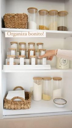Decorate Your Room, Pantry Organization, Place Card Holders, Murcia, Home Decor, Ideas, Clothing Organization, Decorating Kitchen, House Interiors