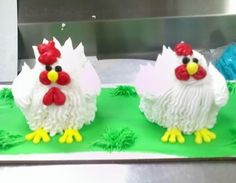 Cupcakes- chicken cupcakes, with the cupcake paper removed of course http://i106.photobucket.com/albums/m248/zatsdeb/chickens.jpg