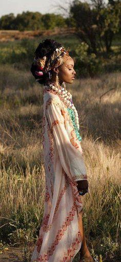 Dress Clothes For Women, African Dresses For Women, African Fashion Dresses, African Women, Black Girl Magic, Black Girls, Safari, Black Girl Aesthetic, Flower Aesthetic