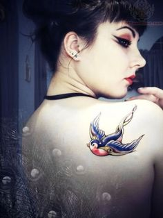 Sparrow Tattoo Designs On Shoulder | Sparrow tattoos Ideas