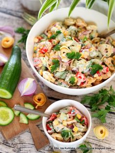 salatka_z_pierozkami_tortellini Tortellini Recipes, Pizza Rolls, Original Recipe, Clean Eating Snacks, Pasta Salad, Salads, Easy Meals, Food And Drink, Appetizers