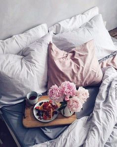 41 Trendy Breakfast In Bed Ideas Decor Bed Tumblr, Tumblr Bedroom, My New Room, My Room, Hygge, Bedroom Inspo Grey, Pretty Things, Breakfast In Bed, Breakfast Ideas