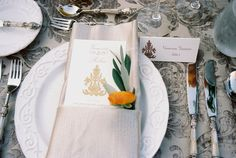 We just adore this gorgeous table setting... Isn't the fresh flower detail such a lovely touch with the place setting and menu? It's events like this that make us love what we do every day.  Thanks again to our partners at La Tavola Linens, Loop Flowers, and Bright Event Rentals for making our job so easy sharing your stunning products with our wedding and event clients.  What's your favorite detail about this place setting?  #partnerlove Wedding Thank You Cards, Wedding Make Up, Wedding Gifts, Wedding Things, Destination Wedding, Wedding Venues, Wedding Planning, La Tavola Linen, Tabletop Accessories