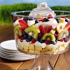 4th of July Recipes: Berries and Cream Smooth Trifle