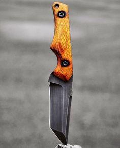 Dima's wall photos – Kitchenware Cool Knives, Knives And Tools, Knives And Swords, Tactical Pocket Knife, Tactical Knives, Armas Ninja, Knife Template, Knife Making Tools, Knife Patterns