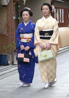 Geiko-san & Maiko-san: Maiko Yaemi and oneesan Geiko Yasuha