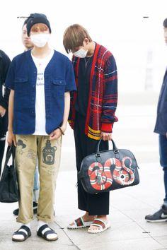 The Gucci bag!!!!|| JUST BTS TAEHYUNG | KPOP WORLD ...
