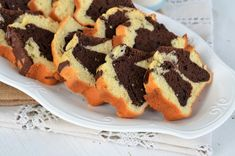 chec cu iaurt si frisca Lidl, Sushi, Muffin, Cookies, Breakfast, Ethnic Recipes, Desserts, Ranch, Drinks