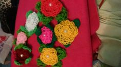 Manta de polar con flores tejidas para Nena!