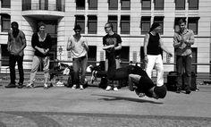 """Berlino. 2° riScato urbano di Ola Szurlej. Saranno conteggiati i """"mi piace"""" al seguente post: https://www.facebook.com/photo.php?fbid=10206459091830216&set=o.170517139668080&type=3&theater"""
