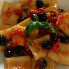 Paccheri Core Salento con pomodorini olive capperi e basilico...