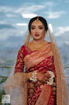 Asian Bridal Dresses, Indian Bridal Outfits, Indian Bridal Fashion, Indian Bridal Wear, Pakistani Bridal Dresses, Bridal Dupatta, Red Saree Wedding, Indian Wedding Bride, Bengali Wedding