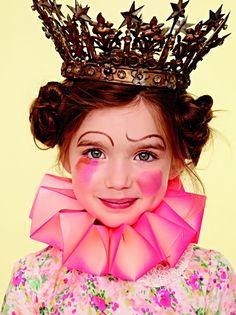 Voici une animation maquillage theme alice au pays des merveilles
