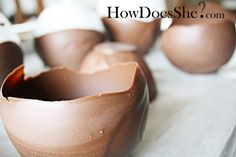 Chocolate Egg- Fill with fresh fruit, marshmallow salad, candy, chocolate mouse. Chocolate Bowls With Balloons, Chocolate Shells, Chocolate Mouse, Melting Chocolate, Marshmallow Salad, Apple Deserts, Impressive Desserts, Easter Traditions, Decadent Chocolate