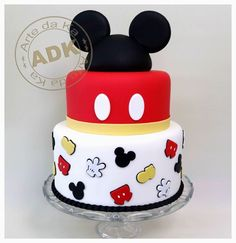 Mickey Pieces with Ears Cake Baby Mickey, Bolo Do Mickey Mouse, Theme Mickey, Mickey And Minnie Cake, Fiesta Mickey Mouse, Mickey Mouse Baby Shower, Mickey Cakes, Mickey Mouse Parties, Mickey Party