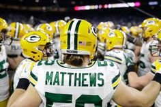 1/1/2017 Clay Matthews Clay Matthews, Go Pack Go, Green Bay Packers, Green And Gold, Football Helmets, Wisconsin, Sports, Hs Sports, Sport