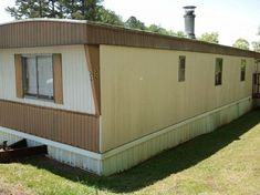 This is what a 1980 Skyline mobile home looks like.