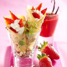 Découvrez la recette Petits cornets croquants vanille-fraise sur cuisineactuelle.fr.