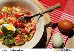 Rajčatový salát s Hermelínem a vejcem recept - TopRecepty.cz Ramen, Salads, Eggs, Chicken, Breakfast, Ethnic Recipes, Per Diem, Morning Coffee, Egg