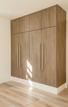 Lovely truffle brown Oak Wardrobes for 6 beautiful designed apartments in central London Wardrobe Interior Design, Wardrobe Door Designs, Wardrobe Design Bedroom, Bedroom Bed Design, Bedroom Furniture Design, Closet Designs, Home Decor Furniture, Master Bedroom, Bedroom Modern