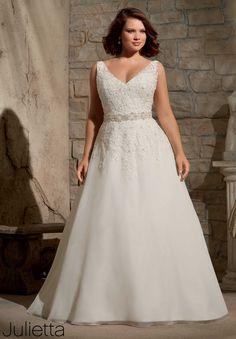 Vestido de novia evasé con cinturón colección Julietta