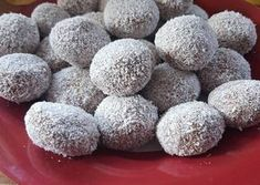 Csokis-tejszínes gesztenyegolyó Winter Christmas, Cake Cookies, My Recipes, Cantaloupe, Food To Make, Food And Drink, Fudge, Sweets, Fruit