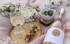 9  receptů na úžasný piknik Tahini, Hummus, Pesto, Camembert Cheese, Table Decorations, Cooking, Food, Kitchen, Cuisine