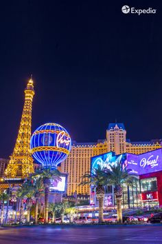 Score free stuff at Vegas hotels.  Find out how with the Expedia Viewfinder Travel Blog.