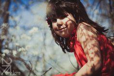 sesión de fotos infantil Fotógrafo de niños en Barcelona, photography, 274km, Gala Martinez, Hospitalet , exterior, camp, campo, field, spring, primavera, nens, kids, children, girl, nena, niña, cerezo, cirerer, cherry tree