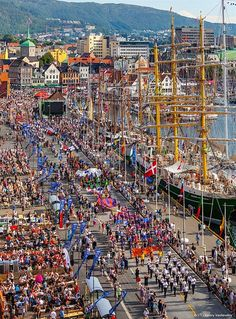 Photo: The Tall Ships Races 2014 - Crew Parade, Bergen, Norway. Valery Vasilevskiy.
