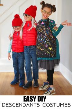 DIY Descendants Costumes - The Chirping Moms, Dizzy costume, Smee Twins costume, Squeaky, Squirmy Easy Last Minute Costumes, Easy Diy Costumes, Descendants Characters, Descendants Costumes, Disney Diy, Party Themes For Boys, Birthday Party Themes, Twin Costumes, Black Apron