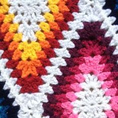 Transcendent Crochet a Solid Granny Square Ideas. Inconceivable Crochet a Solid Granny Square Ideas. Crochet Square Patterns, Crochet Blocks, Crochet Squares, Crochet Blanket Patterns, Crochet Granny, Crochet Motif, Crochet Stitches, Free Crochet, Stitch Patterns