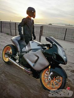 Roland Sands Design 2005 Suzuki Hayabusa | Return To Speed