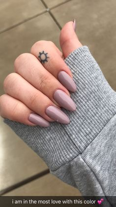 nude almond nails. color: field fox CND