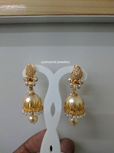 What Are Pearl Drop Earrings And When Should You Wear Them? Gold Jhumka Earrings, Jewelry Design Earrings, Gold Earrings Designs, Gold Jewellery Design, Beaded Jewelry, Latest Earrings Design, Designer Earrings, Gold Ring Designs, Gold Jewelry Simple