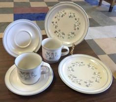Chantilly-Fleur-De-Lune-6-Pc-Lot-Salad-Plates-Cups-Saucers-Stoneware