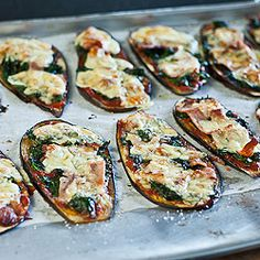 A fast, delicious grain-free dinner – eggplant pizza.