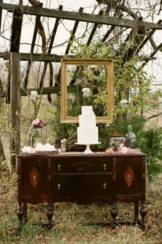 woodsy cake table display // photo and design by Alea Lovely